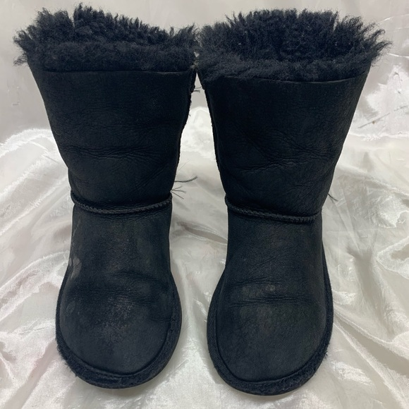 UGG Other - UGG Bailey Bow Boots